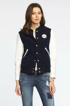 http://answear.cz/299532-femi-pleasure-bunda-lena.html  Bundy a kabáty Krátké bundy  - Femi Pleasure - Bunda Lena