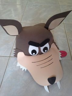 máscara lobo mau - Pesquisa Google: Foam Crafts, Diy And Crafts, Crafts For Kids, Animal Art Projects, Nocturnal Animals, Homemade Costumes, Little Pigs, Red Riding Hood, Halloween Kids