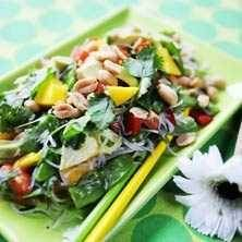 Mango- och avokadosallad med asiatiska smaker