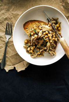 rosemary mushroom + chickpea ragoût on toast