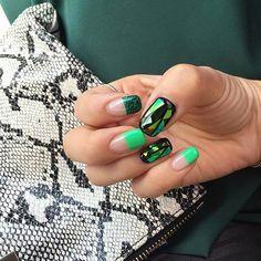 Broken Glass & Solid Polish Manicure