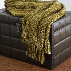 Rizzy Home TH-0096 Throw in Green $44.25