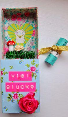 Good Luck matchbox http://jansschwester.blogspot.de/2014/11/uberraschungs-schachtelchen.html