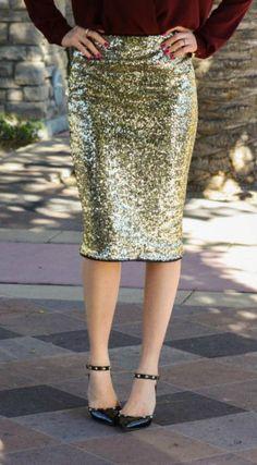 Style Stun features a Sequin Skirt  ||  @mindymaesmarket