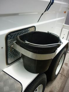 My horse always knocks over her water bucket. Need this so bad! Horse Camp, Horse Gear, Horse Tips, My Horse, Horse Love, Horse Trailer Organization, Horse Trailers, Dog Trailer, Stock Trailer