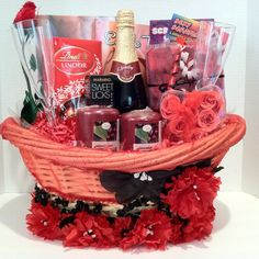 Love is in this Romantic Evening Gift Basket For Valentine's Day Valentine's Day Gift Baskets, Raffle Baskets, Basket Gift, Valentines Day Baskets, Valentine Day Gifts, Diy Valentine, Valentine Treats, Homemade Gifts, Diy Gifts