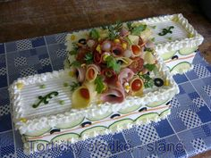 slane dorty Sandwich Torte, Big Sandwich, Veggie Platters, Party Platters, Appetizer Buffet, Appetizers, Buffet Style Wedding, Veggie Cakes, Party Sandwiches