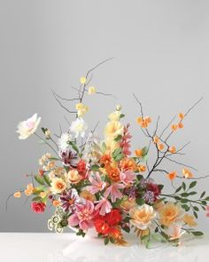 In the latest edition of Martha Stewart Weddings, florist Livia Cetti give step by step instructions for making paper hibiscus and paper peonies. Wildflower Centerpieces, Paper Flower Centerpieces, Paper Flower Arrangements, Floral Arrangement, Faux Flowers, Real Flowers, Diy Flowers, Wedding Flowers, Flower Diy