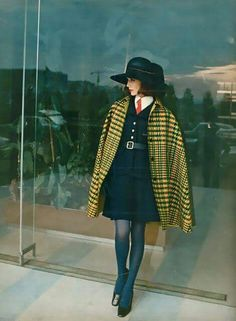 Retro Fashion French Elle Magazine, 1968 vintage fashion styles dress skirt suit tie hat cape coat black yellow wool annie hall style tailored look vest red model print ad - Estilo Fashion, Look Fashion, Ideias Fashion, Autumn Fashion, Fashion Tips, Fashion Trends, Fashion Styles, Sixties Fashion, Retro Fashion