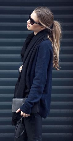 #fall #fashion / navy blue knit