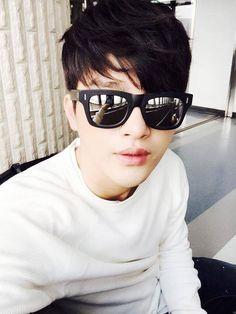 that's Seo In-guk — seoinguk-oppa: selca time [seo in guk] Hyun Seo, Lee Hyun, Jong Hyun, Lee Jong, Asian Actors, Korean Actors, Korean Actresses, Korean Dramas, Asian Boys