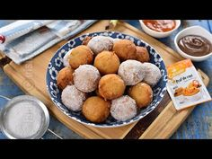 Gogosi cu banane fara drojdie (CC Eng Sub) Cookie Recipes, Dessert Recipes, Romanian Food, No Cook Desserts, Food Cakes, Pretzel Bites, Gem, Cereal, Food And Drink