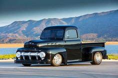 """It's hard to describe Fat Jack, but it's easy to tell when he's built a car. Check out his """"Too Low Too Fast"""" 1951 Ford. 1948 Ford Truck, Ford Pickup Trucks, New Trucks, Custom Trucks, Bay Photo, Classic Ford Trucks, Shop Truck, Old Pickup, Aluminum Radiator"""