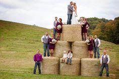 Barn wedding with hay bales - Hochzeit Hay Bail Wedding, Farm Wedding, Dream Wedding, Wedding Day, Wedding Signs, Horse Wedding, Wedding Vendors, Wedding Events, Wedding Stuff