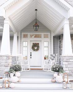 neutral fall front porch exterior white gray pumpkins decor farmhouse craftsman @ninaandcecilia | ninacecilia.com | https://www.instagram.com/p/BZWbyRrloRX