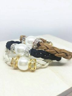 Approx. 15cm x 0.6cm - 5cm extension chain - Genuine suede leather - AA+ grade freshwater pearl