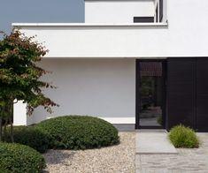 Make concepts: Tuinarchitectuur in alle eenvoud Front Entry, Front Doors, Outdoor Gardens, Facade, Entrance, Garden Design, Clouds, Concept, Patio