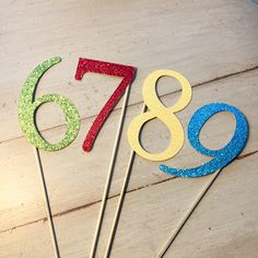 How cute are these carnival themed party/table numbers??!!? Love this theme!