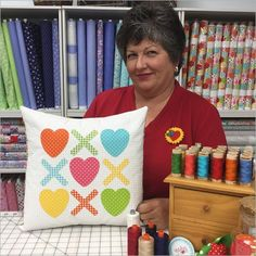 2477_Hugs and Kisses Pillow Printed Pattern_1