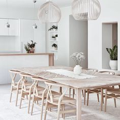 Dining Room Lighting Fixtures Modern What You Should Know 129 - myhomeorganic Dining Table In Living Room, Dining Room Design, Living Room Modern, Living Rooms, Dining Chair, Kitchen Dining, Dining Room Light Fixtures, Dining Room Lighting, Traditional Dining Rooms