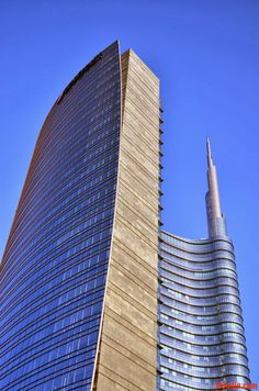 The traveling foodie: Unicredit Tower, Milan