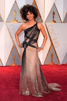 Halle Berry in Versace at the Oscars 2017
