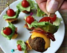 Cheeseburger Meatballs Perfect appetizers - meatballs stacked with all of the ingredients for a deluxe bacon cheeseburger!Perfect appetizers - meatballs stacked with all of the ingredients for a deluxe bacon cheeseburger! Finger Food Appetizers, Appetizers For Party, Finger Foods, Appetizer Recipes, Meatball Appetizers, Shower Appetizers, Appetizer Ideas, Toothpick Appetizers, Simple Appetizers
