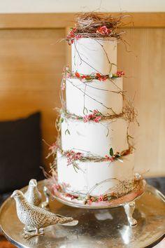 Rustic wedding cake ideas #weddingcake @weddingchicks