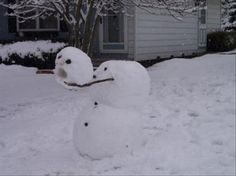 35 Creative, Funny Snowman Pictures for Winter Fun - Snappy Pixels Snowman Photos, Snowmen Pictures, Funny Christmas Pictures, Funny Pictures, Snowmen Ideas, Winter Fun, Winter Time, Winter Snow, Funny Snowman