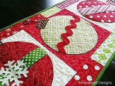 16 Best Photos of Christmas Quilted Table Runners - Easy ...