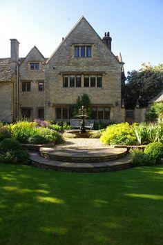 Stately Garden Design for Stunning Oxfordshire Manor House
