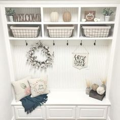 Farmhouse mudroom bench. Farmhouse mudroom. Farmhouse mudroom painted in SW Pure White. Farmhouse mudroom bench and shelves. #Farmhousemudroom #Farmhouse #mudroom #Farmhousemudroombench #Farmhousemudroomshelves Beautiful Homes of Instagram ceshome6