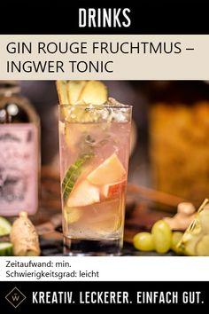 Der Obstsalat unter den Gin Tonics mit leichter Ingwer-Note. Gurkenscheiben, Trauben, Apfelstücke und Eis. #gin #ginrouge #frucht #ingwer #tonic #trauben #drink #longdrink #cocktail Gin, Cantaloupe, Recipes, Food, Red, Fruit Salads, Apple, Meals, Eten