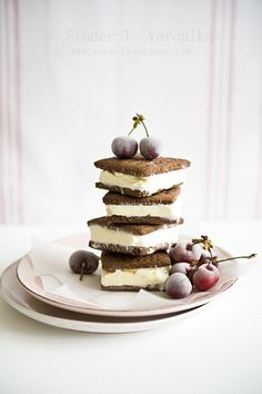 Cheesecake ice cream sandwiches by StuderV
