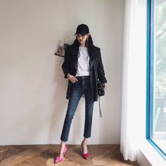 Street Look, Street Wear, Street Style, Korean Streetwear, Streetwear Fashion, Woman Fashion, I Love Fashion, Children Photography Poses, Korea Fashion