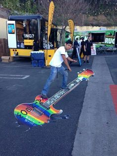 Street Art, Rainbow Guitar
