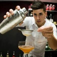 Risultati immagini per barman acrobatico