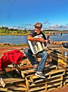 Michael Pendergast, lively and entertaining PEI singer/accordion player