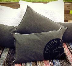 Ihanat sisustustyynyt sopivat hyvin sohvan nurkkaan. Throw Pillows, Bed, Design, Toss Pillows, Cushions, Stream Bed, Decorative Pillows, Beds