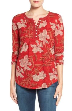 """Pintuck detailing without straying into """"Little House on the Prairie"""" territory. Bold color/print is fun Lucky Brand Pintuck Floral Print Henley Top at… Dress Neck Designs, Kurti Neck Designs, Blouse Designs, Blouse Styles, Trendy Tops For Women, Blouses For Women, Short Kurti Designs, Indian Designer Outfits, Henley Top"""