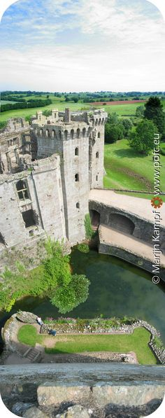 Looking Down: Raglan Castle, Wales, United Kingdom Places Around The World, Around The Worlds, Welsh Castles, Modern Castle, Castle Pictures, Visit Wales, Brecon Beacons, Castle Wall, England