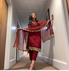 Best Ideas For Bridal Dresses Pakistani Mehndi Beautiful Party Wear Indian Dresses, Pakistani Dresses Casual, Designer Party Wear Dresses, Indian Bridal Outfits, Kurti Designs Party Wear, Dress Indian Style, Indian Fashion Dresses, Pakistani Dress Design, Pakistani Mehndi