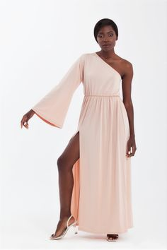 One Sleeve Maxi Evening Dress in nude Nude Formal Dresses, Dress Prom, Prom Dresses, Wedding Party Dresses, Dress First, Styling Tips, Evening Dresses, Fashion Dresses, Culture