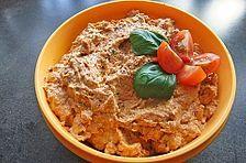 Mozzarella – Tomaten – Dip Mozzarella – Tomato – Dip, a good recipe from the category Italy. Dip Recipes, Salad Recipes, Crab Stuffed Avocado, Cottage Cheese Salad, Dips, Feta Dip, Seafood Salad, Quick Meals, Finger Foods