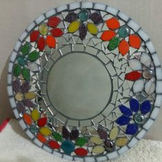¡Mirá nuestro nuevo producto  Espejo con mosaiquismo! Si te gusta podés ayudarnos pinéandolo en alguno de tus tableros :) Mosaic Wall Art, Mirror Mosaic, Mosaic Diy, Mirror Art, Diy Mirror, Mosaic Tiles, Mosaic Outdoor Table, Outdoor Table Tops, Fused Glass