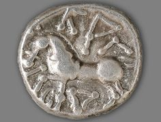 The biggest hoard of celtic silver coins ever found in Switzerland has been unearthed in the village of Füllinsdorf, in the northwestern canton of Basel Country.