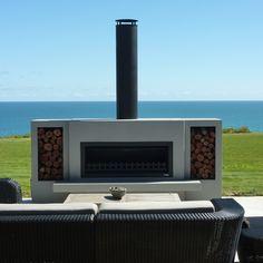 Outdoor Wood Fireplace, Outdoor Fireplace Designs, Backyard Fireplace, Fire Pit Backyard, Outdoor Fireplaces, Modern Fireplace, Backyard Patio Designs, Modern Backyard, Foyers