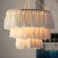 DIY Tassel Chandelier boho decorating trend DIY tassels make your own lighting homemade light treatments boho decor home decor fringe lamps DIY decor ideas weekend DIY projects coastal whimsy boho vibes yarn crafts embroidery hoop crafts diydecor Diy Home Crafts, Diy Crafts Videos, Diy Crafts To Sell, Diy Crafts For Kids, Decor Crafts, Diy Room Decor, Yarn Crafts, Sell Diy, Kids Diy