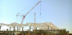 A Locar Guindastes e Transportes Especiais está com dois guindastes nas obras de ampliação do Aeroporto de Viracopos, em Campinas (SP). O pr...