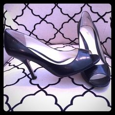 Enzo Angiolini open toe heels! These heels have light wear but still in good condition. Look great with skinny jeans and a blazer or a dress for a special occasion. Enzo Angiolini Shoes Heels